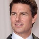 الممثل الأمريكي ( توم كروز Tom Cruise )….والمنتج السينمائي المعُرِف بأدائه لكثير من الأدوار في الأفلام الأمريكية التي نالت شهرة عالمية ..