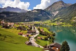قرية لونجيرن lungern السويسرية ذات الطبيعة الجميلة، والتي تقع على ضفاف بحيرة لونجيرن، إحدى أجمل بحيرات أوروبا ..