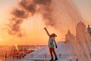 """تحدي """"دوباك""""، وهي كلمة روسية دارجة تعني الطقس قارس البرودة..حيث تبارى فناني روس لصنع أعمال فنية تحت درجة حرارة 40 تحت الصفر .."""