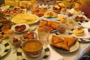 """تتنوع الموائد الرمضانية ..لذلك نقدم لكم الــ ١٢ نصيحة للوقاية من """"التسمم الغذائي"""" في شهر رمضان المبارك.."""
